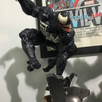 Sideshow Venom Premium Format Statue Released & Photos!