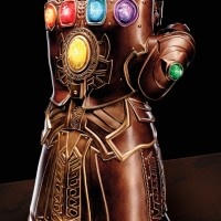 Marvel Legends Infinity Gauntlet Life-Size Replica Photos!