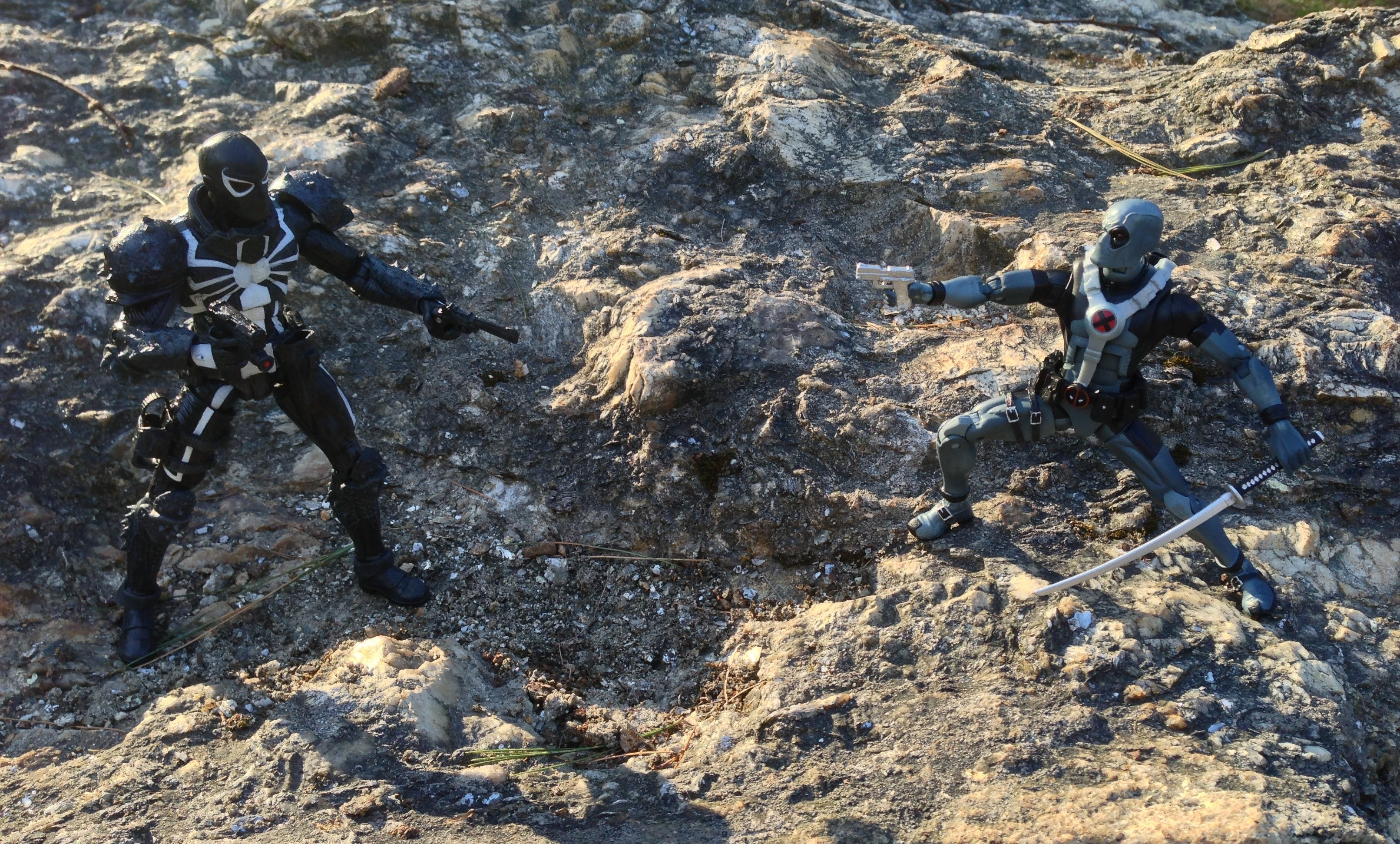 Marvel Legends Deadpool vs. Marvel Select Agent Venom Figures