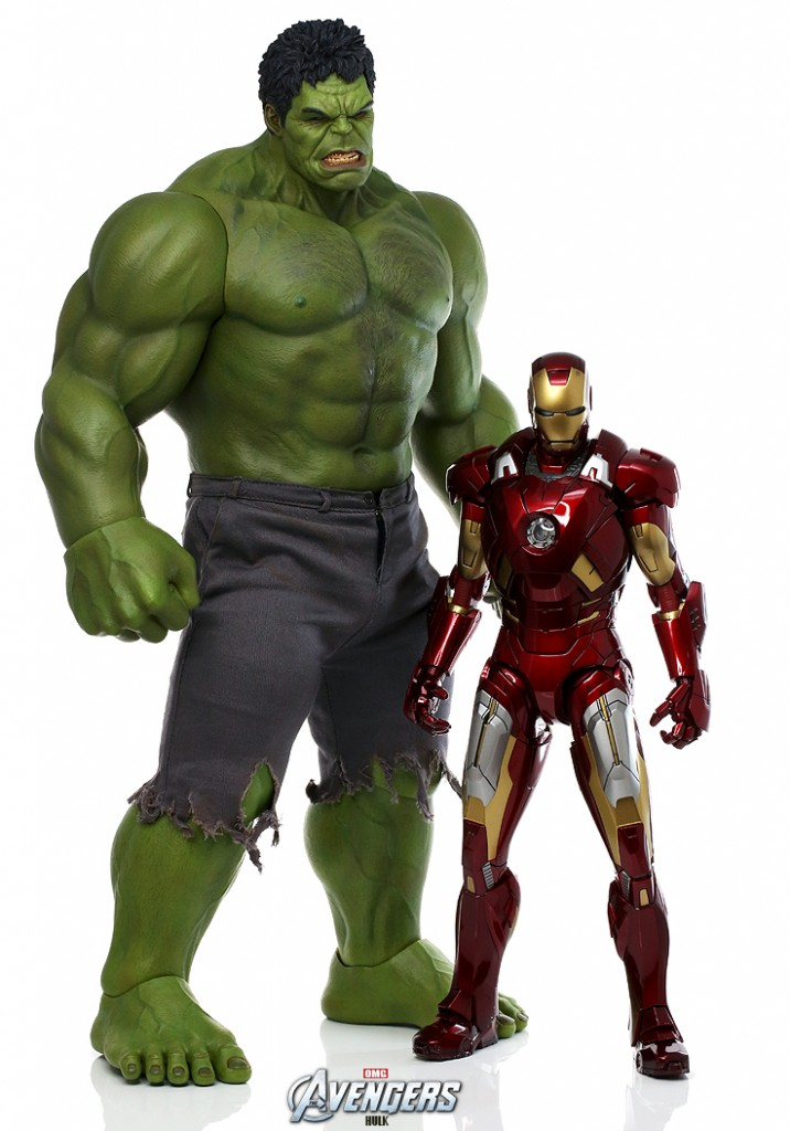 Avengers Hot Toys Iron Man Mark VII and Hulk Size Comparison Photo Scale