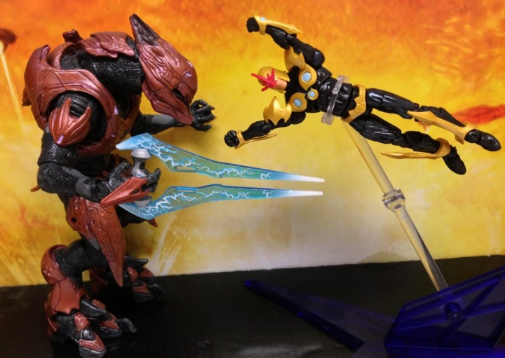 Nova Richard Rider Figure vs. Halo 4 Elite Zealot