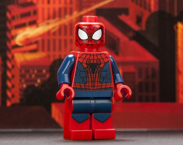 Sdcc 2013 exclusive lego minifigures spider man spider woman marvel toy news - Lego spiderman 2 ...
