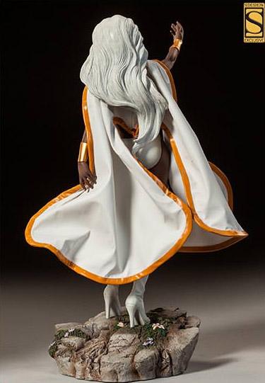 Sideshow Exclusive White Storm Premium Format Figure Statue