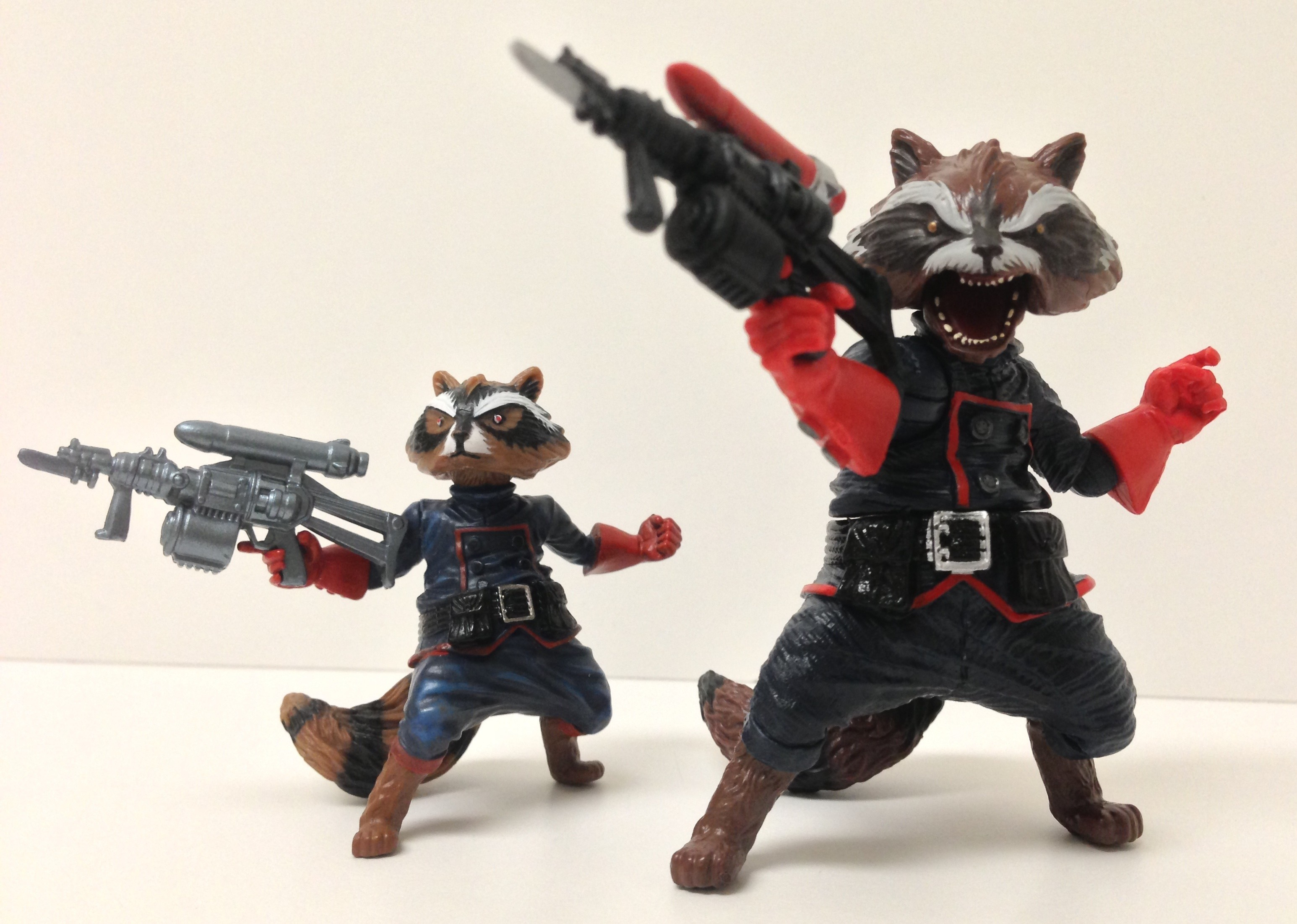 Marvel Legends Rocket Raccoon & Marvel Universe Rocket Raccoon Comparison Photo