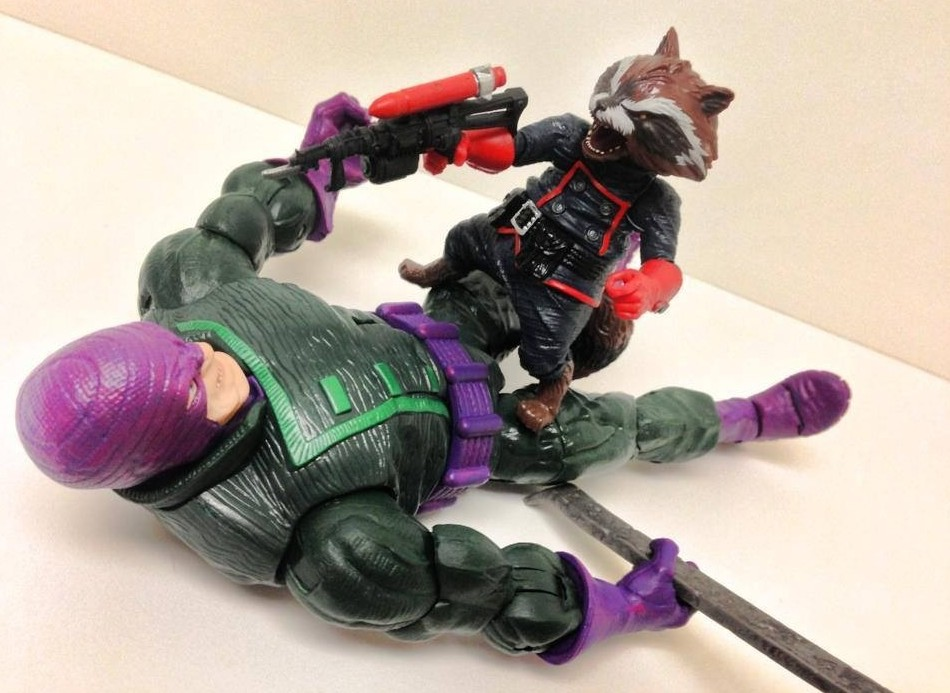 Rocket Raccoon Blasts The Wrecker Marvel Legends Figures