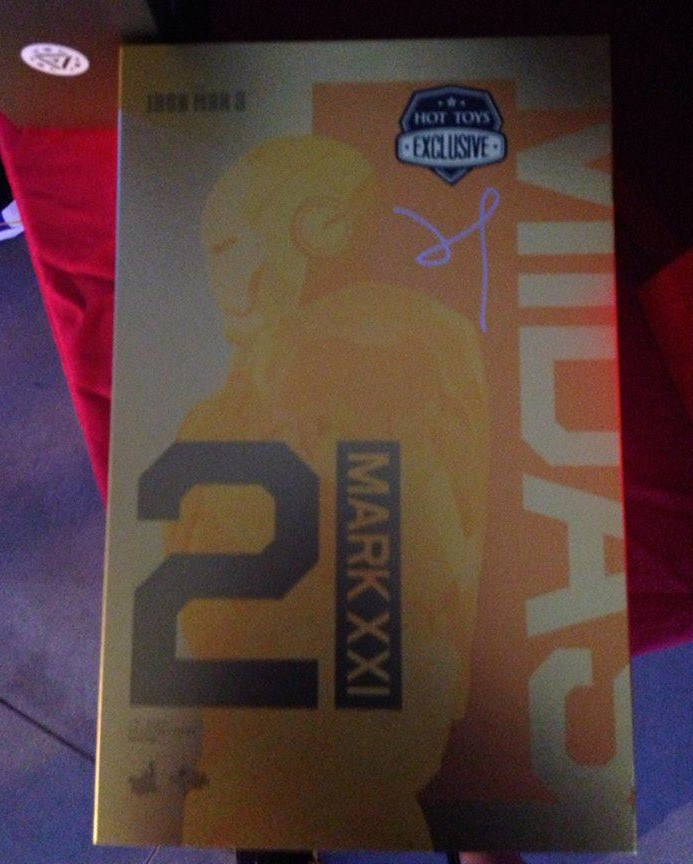 Hot Toys Exclusive Mark 21 Iron Man Midas Figure Box