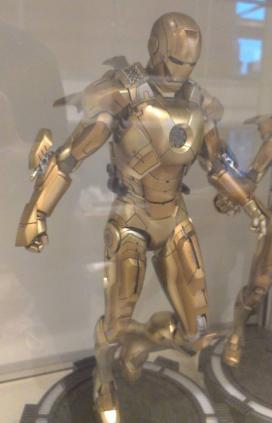 Iron Man Mark XXI Midas Hot Toys Figure on Display