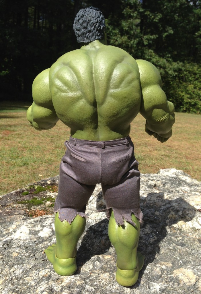 Back of Hot Toys Hulk Avengers MMS Figure