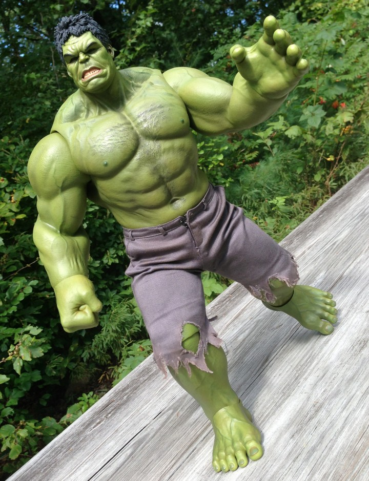 Avengers Hulk 1:6 Hot Toys Figure Running Forward