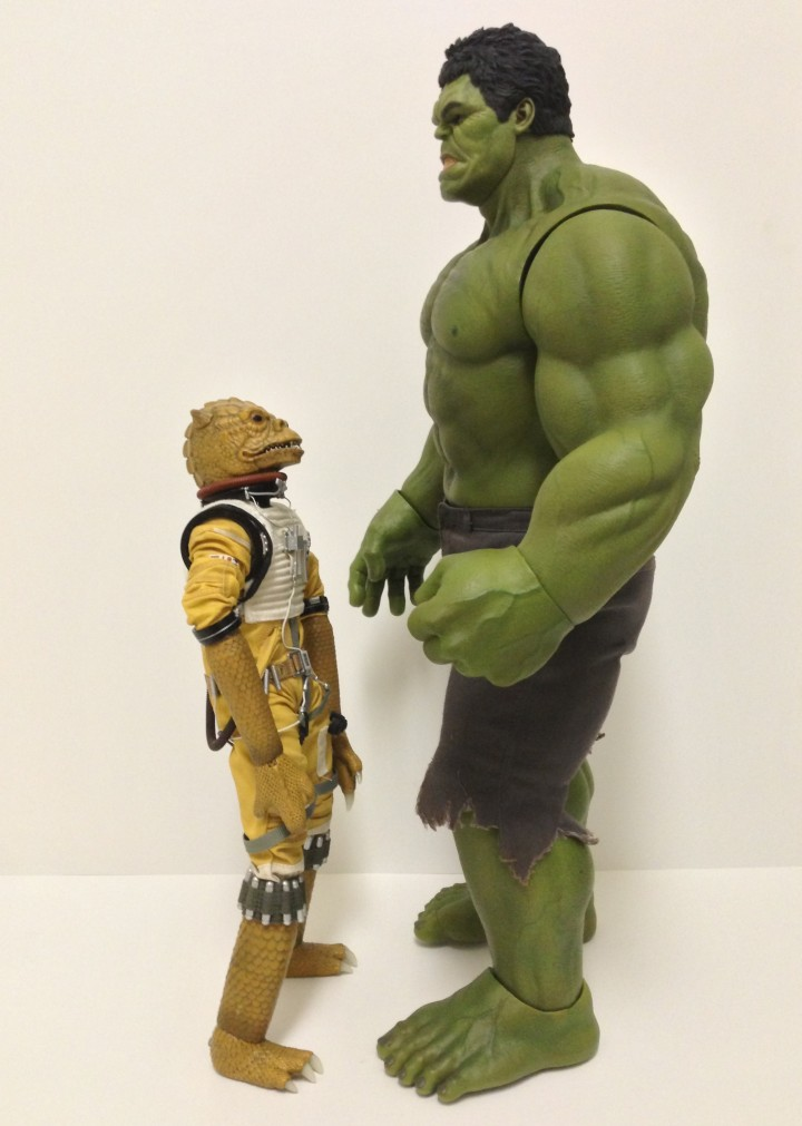 Size Comparison Sideshow Bossk vs Hot Toys Avengers Hulk