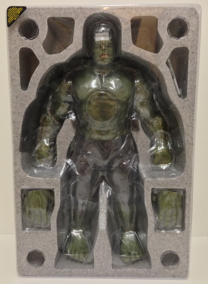 Packaged Hot Toys MMS 186 Hulk Sixth Scale Figure