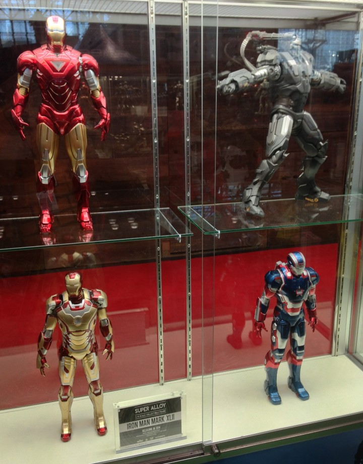 Iron Man Play Imaginative Super Alloy 1/4 Scale Figure Display at NYCC 2013