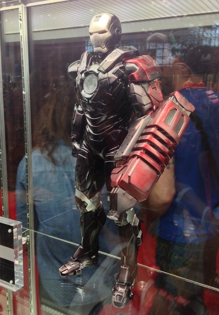 "Play Imaginative Iron Man Fiddler 1/4 Scale Figure 18"" at NYCC 2013"