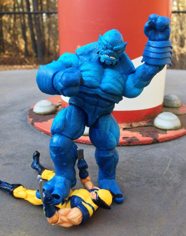 Marvel Universe A-Bomb Figure Crushes Wolverine Figure