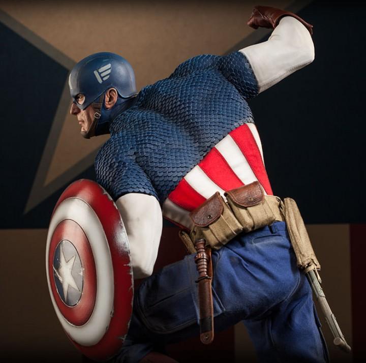 Back of Captain America 2014 Premium Format Figure Statue
