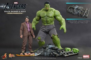 Hot Toys Bruce Banner and Hot Toys Hulk Premium Set