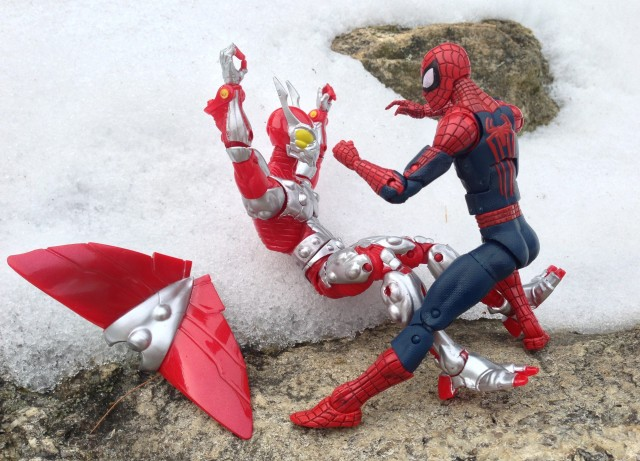 Marvel Legends Spider-Man 2014 Figure vs Ultimate Beetle Action Figures