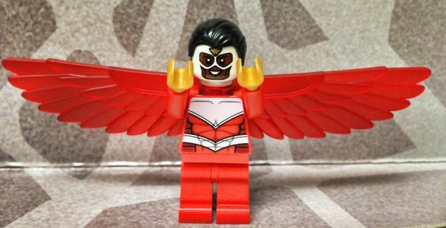 LEGO 2014 Falcon Minifigure Marvel Superheroes Hulk Lab Smash
