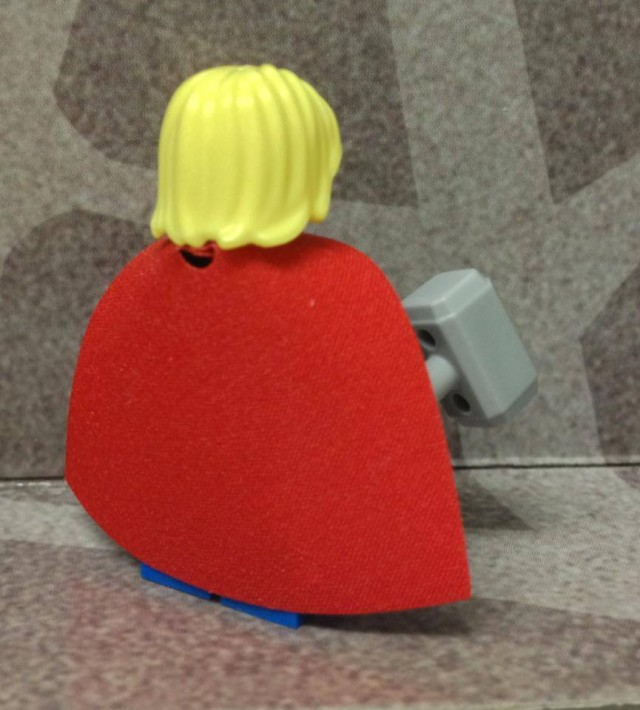 LEGO Thor Figure Cape and Mjolnir Hammer Rear View