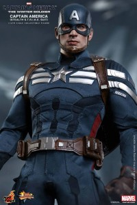 Hot Toys Captain America Stealth STRIKE Suit Figure MMS 242