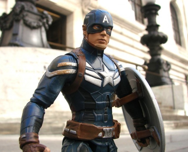 Marvel Select Disney Store Unmasked Captain America Figure with Masked Head