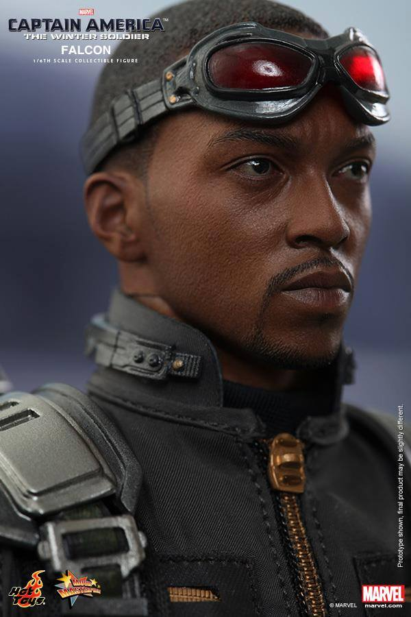 Falcon Hot Toys Portrait with Goggles On