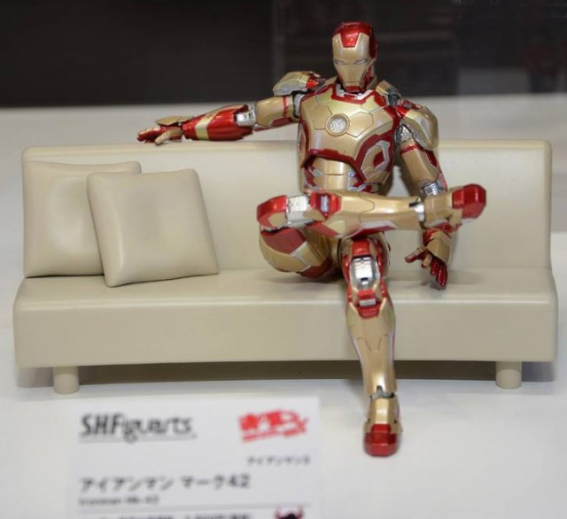 SH Figuarts Iron Man Mark 42 Figure Bandai Tamashii Nations Summer 2014 Collection