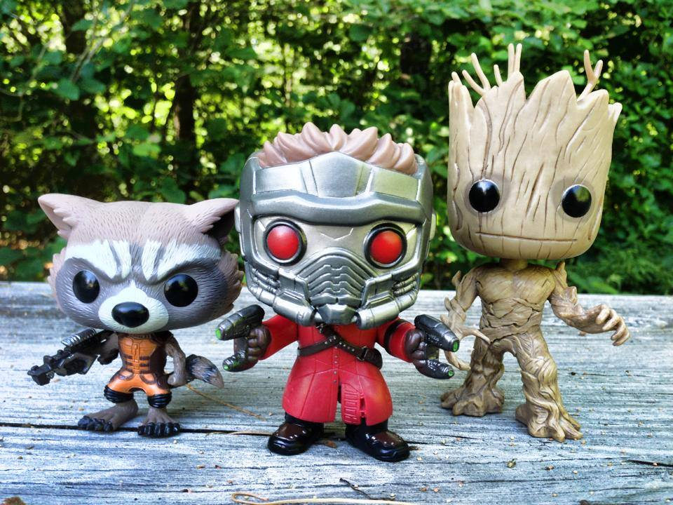 Les figurines Funko-POP-Vinyls-Guardians-of-the-Galaxy-Scale-Photo-Groot-Rocket-Raccoon-Star-Lord
