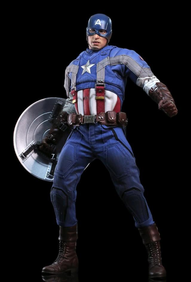 Hot Toys Movie Promo Golden Age Captain America Sixth Scale Figure