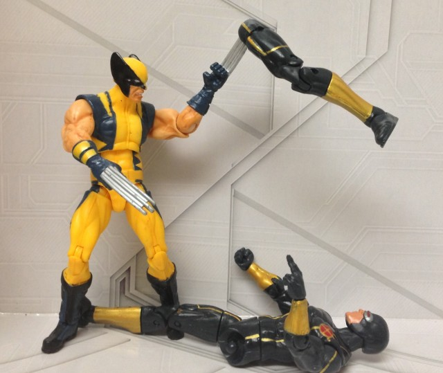 Marvel Universe Astonishing Wolverine Cuts Off Cyclops Leg