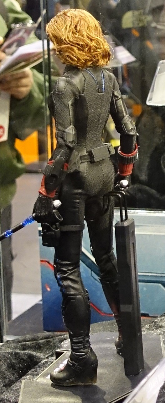 Black Widow Age Ultron: Hot Toys Avengers Age Of Ultron Captain America & Black
