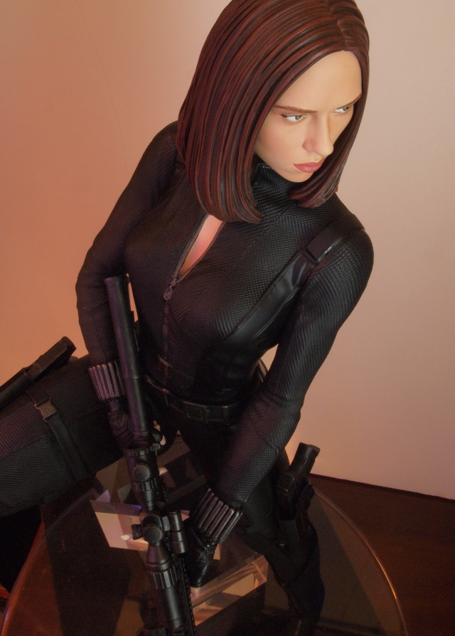 Gentle Giant Black Widow Quarter Scale Statue Above View