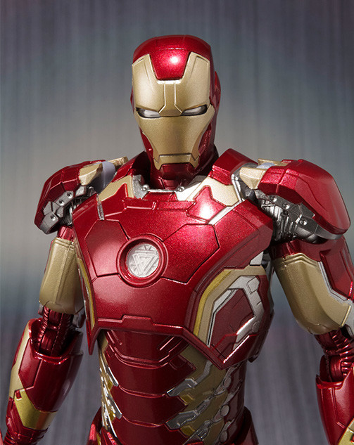 Iron Man Mark XLIII Figure Close-Up Bandai SH Figuarts
