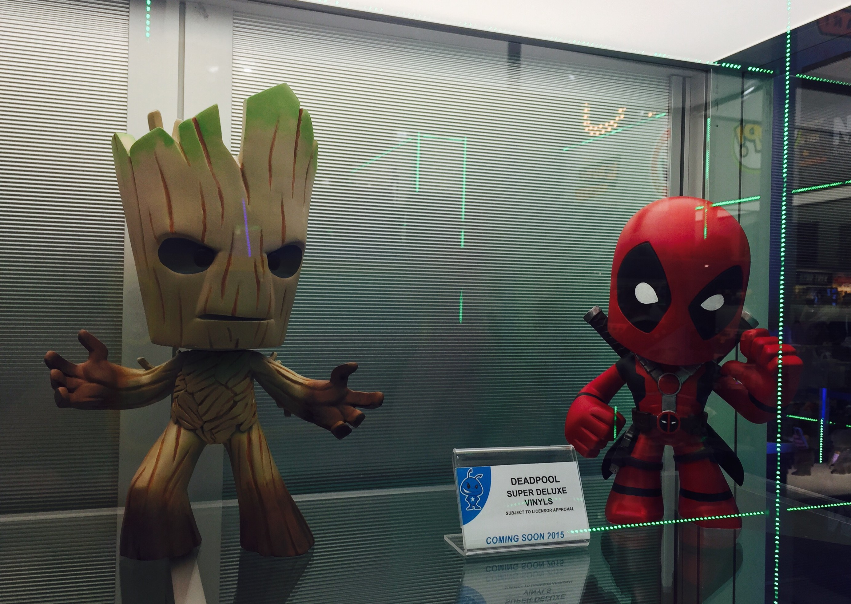 Toy Fair Vinyl Sugar Super Deluxe Deadpool Groot Rocket