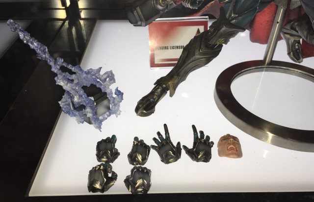 Thor Play Arts Kai Variant Figure Accessories