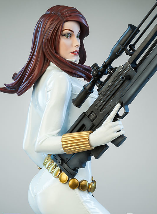 Exclusive Black Widow White Premium Format Figure Sideshow 2015