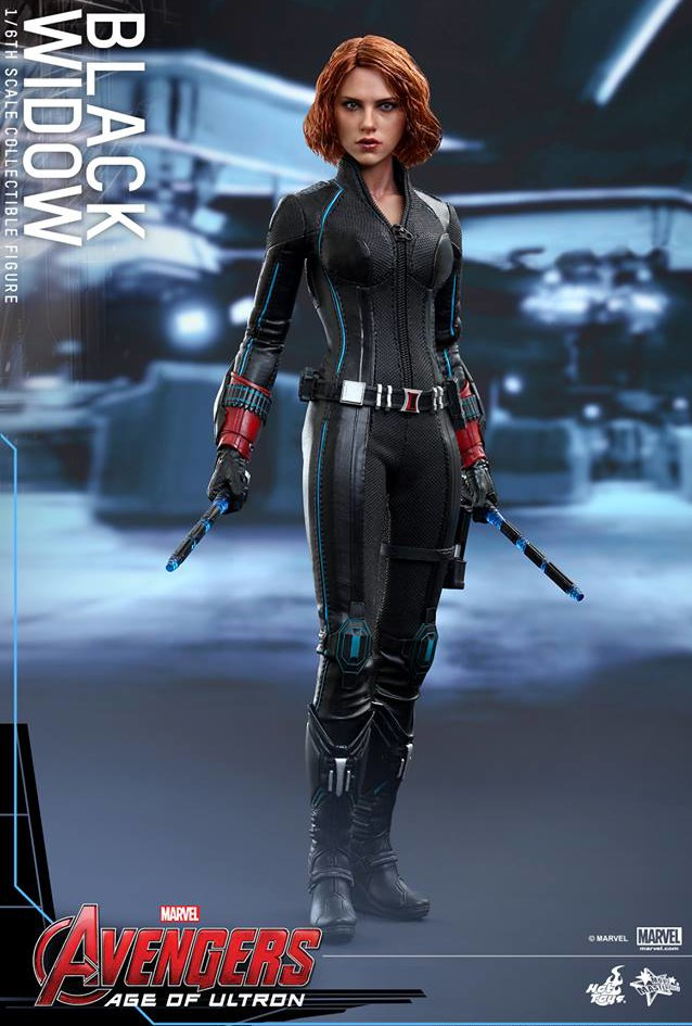 Hot Toys Avengers Age of Ultron Black Widow Sixth Scale Figure with Batons