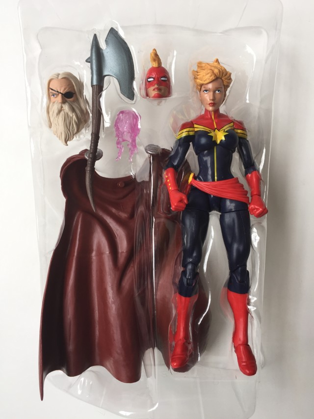 Marvel Legends Avenegrs Wave 1 Captain Marvel with Accessories