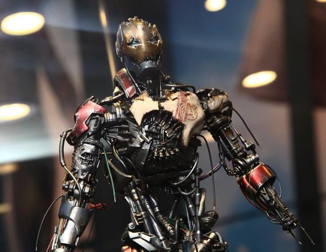 Ultron Mark I Hot Toys Figure Close-Up