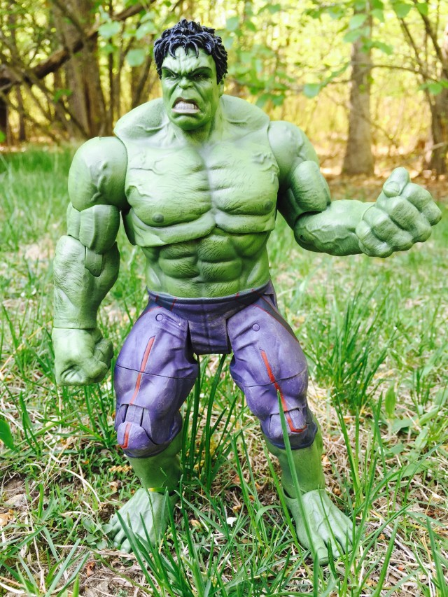 DST Marvel Select Avengers AOU Hulk Figure