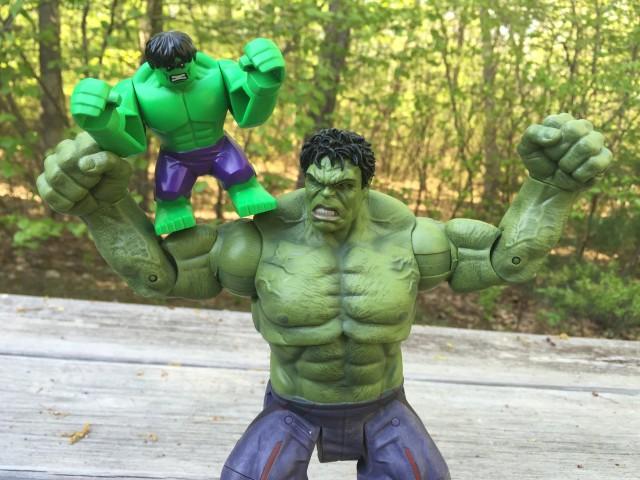 LEGO Hulk Minifigure with Diamond Select Hulk Avengers Age of Ultron Figure