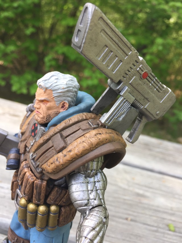 Shoulder Mounted Gun on Cable Select Figure