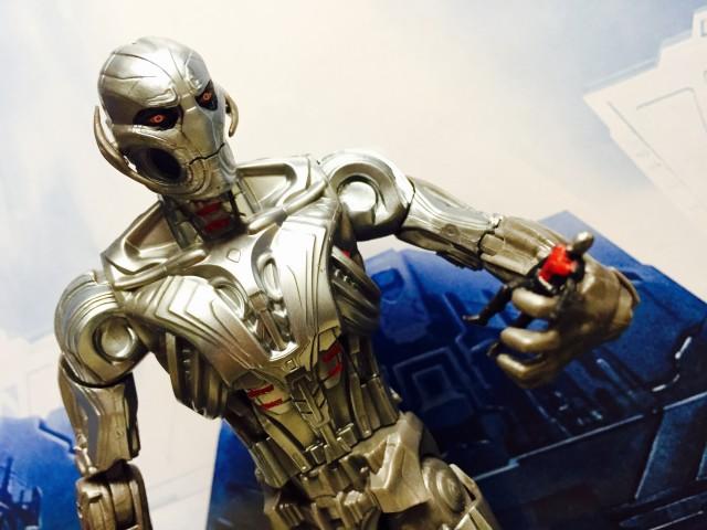 Marvel Legends Ultron Prime Build A Figure Holding Mini Ant-Man