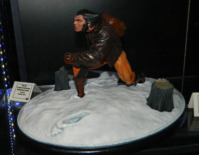 2015 Diamond Marvel Premier Collection Wolverine in Snow Statue