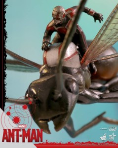 Ant-Man on Flying Ant Miniature Figure Hot Toys 2015