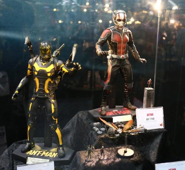 Hot Toys Ant-Man Figures Yellowjacket Antony Flying Ant Minis