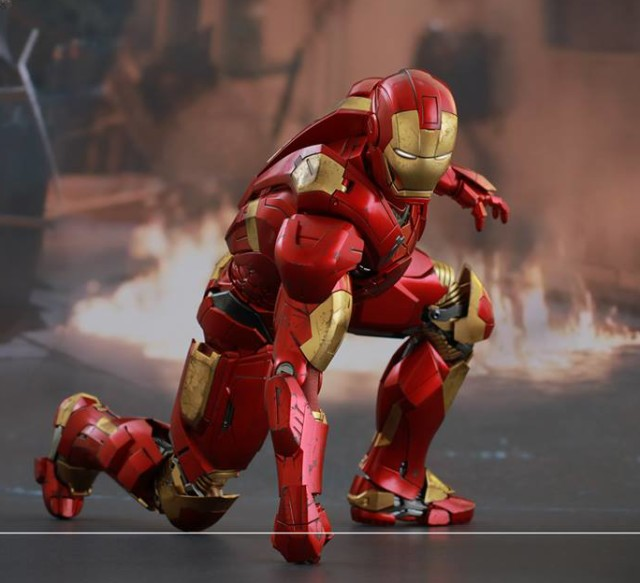Mark IX Iron Man Hot Toys Figure