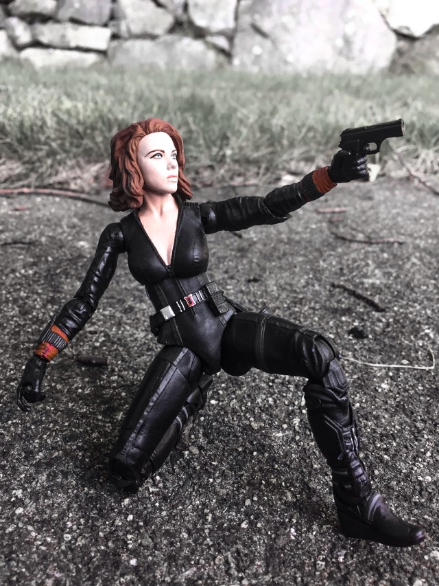 Diamond Select Toys Avengers 2 Black Widow Figure Shooting