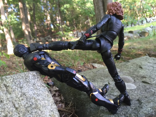 Black Widow Marvel Select Movie Figure Doing Karate Kick