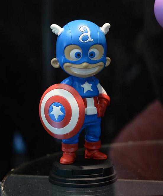 SDCC 2015 Gentle Giant Skottie Young Captain America Baby Statue